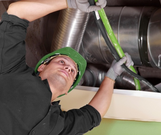 8 Reasons Professional Commercial HVAC Contractors Outshine DIY Insulation Repair